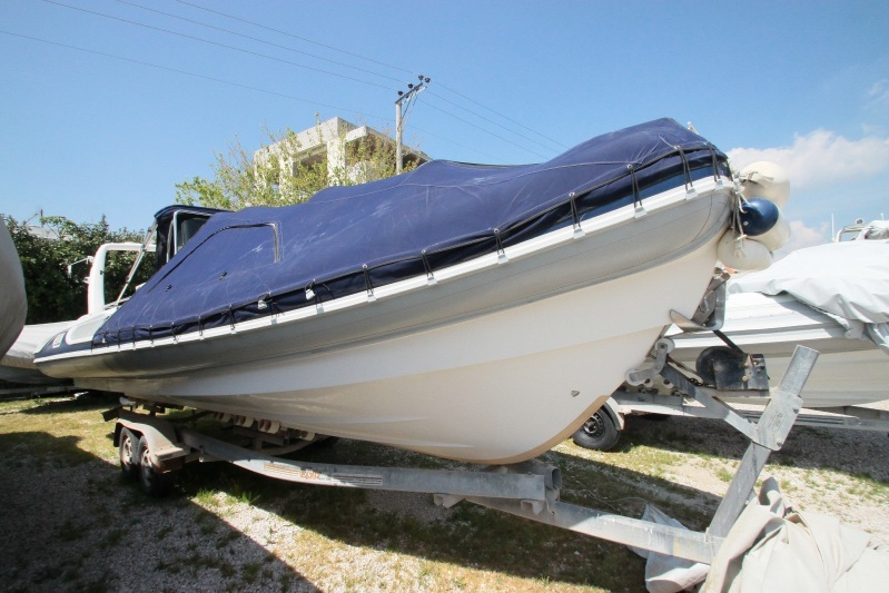 MAR-CO TWENTY FIVE mod.2002 With 2 pair of 130 YAMAHA two strokes ladder Hood VHF Bow GPS Radi... Price u20ac35000 & Cyprus Yachting Magazine