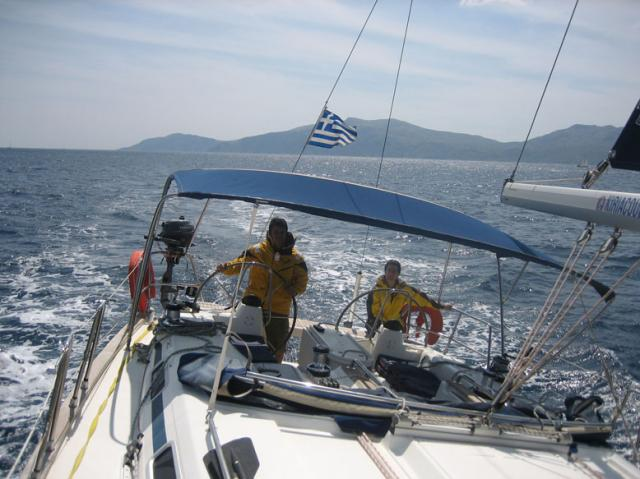 PREPARING A SAILING BOAT FOR A LONG TRIP