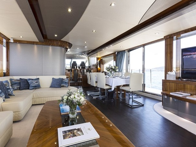 NEW CENTRAL AGENCY - SUNSEEKER 28 METRE YACHT - SPONTANEOUS