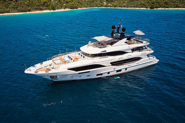 36m Benetti Mediterraneo 116 yacht Uny sold in co-ownership deal